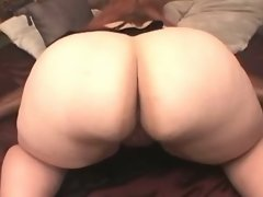Chubby woman throats cock and fucks