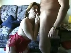 Plump mature lady does fine blowjob
